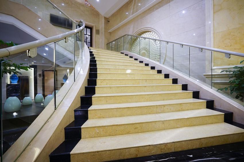 marmol escaleras interior marbres poblenou